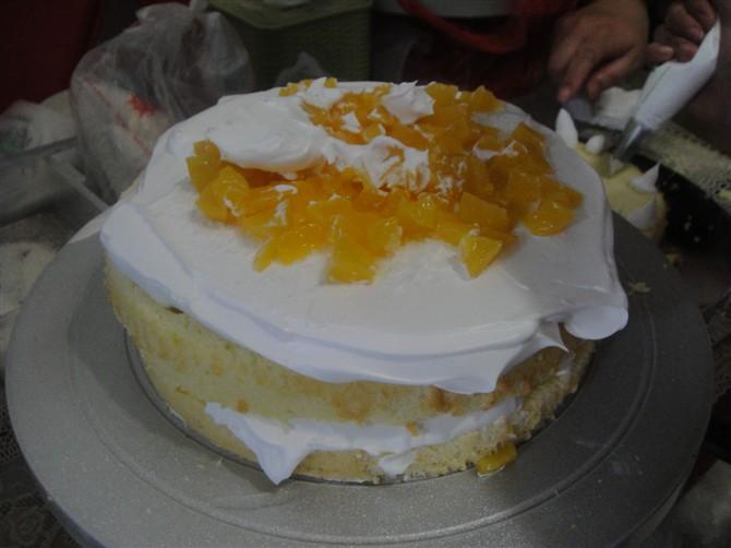 朋友自己动手做蛋糕 ~内有步骤图